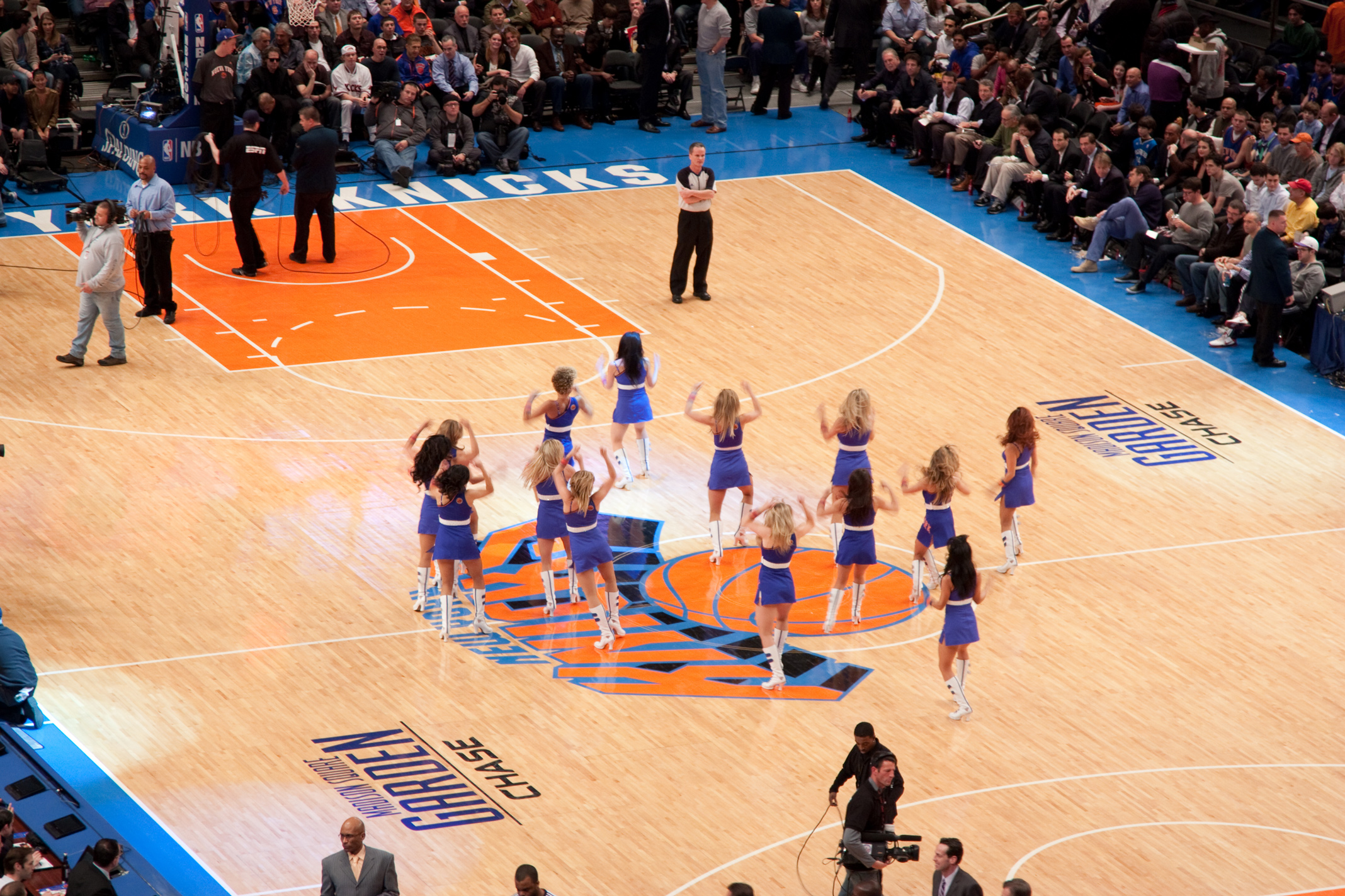 New York Knicks cheerleaders on the court at Madison Square Garden. Image credit:    sottolestelle   /   Creative Commons