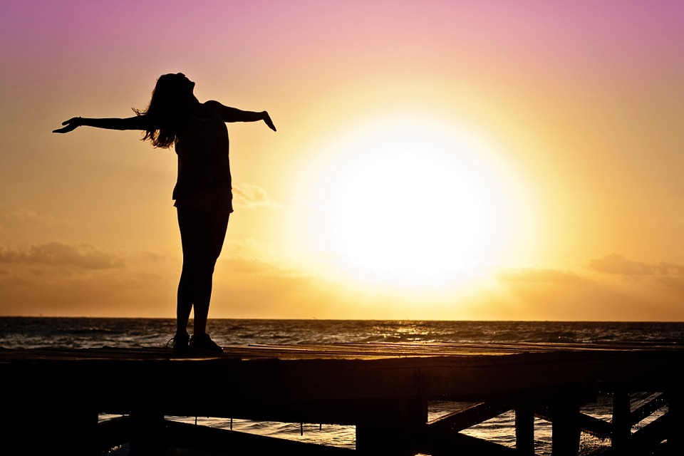 Woman-Silhouette-Sunrise