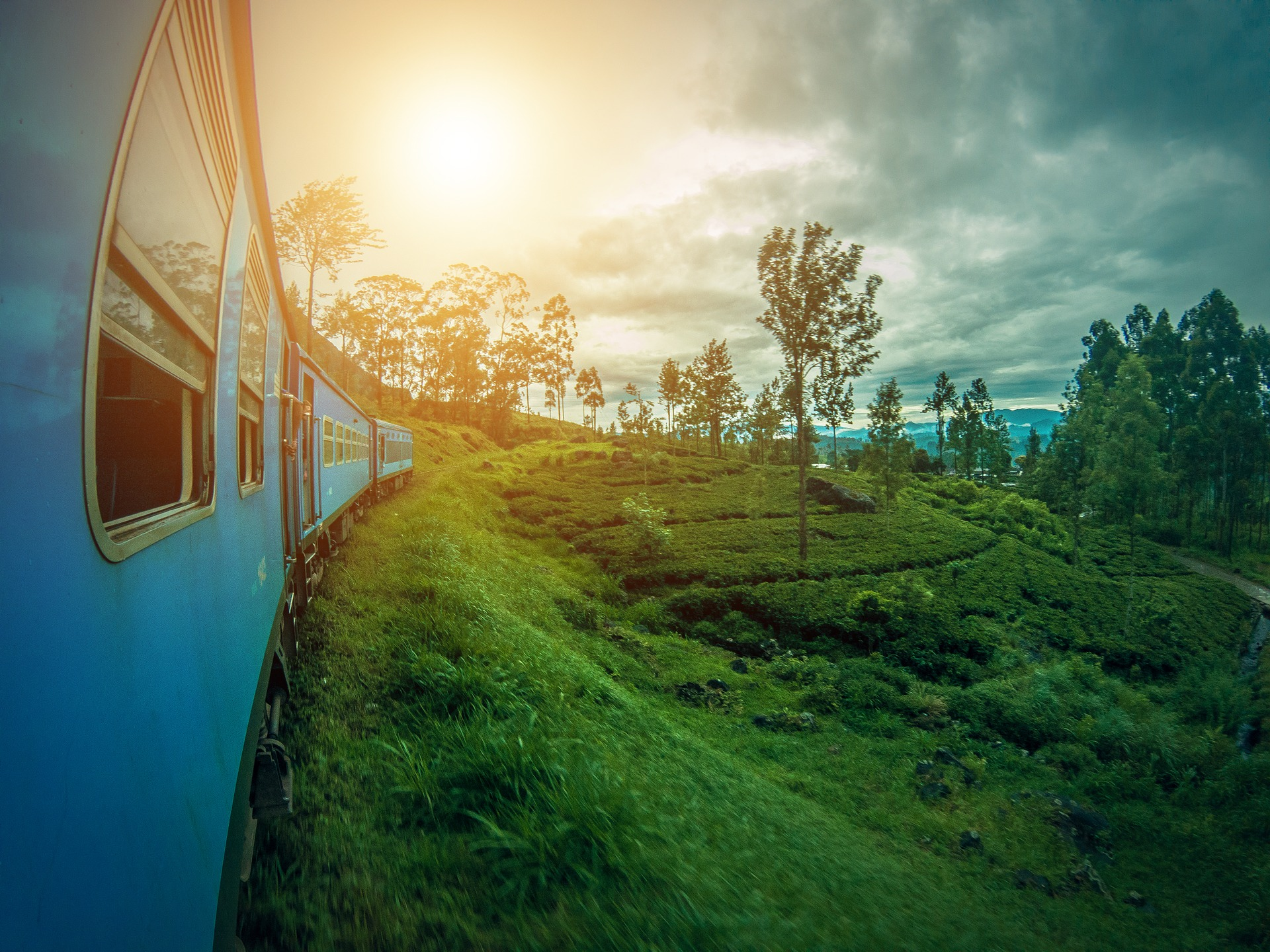The Ella to Kandy train takes you through some of Sri Lanka's most beautiful scenic spots.