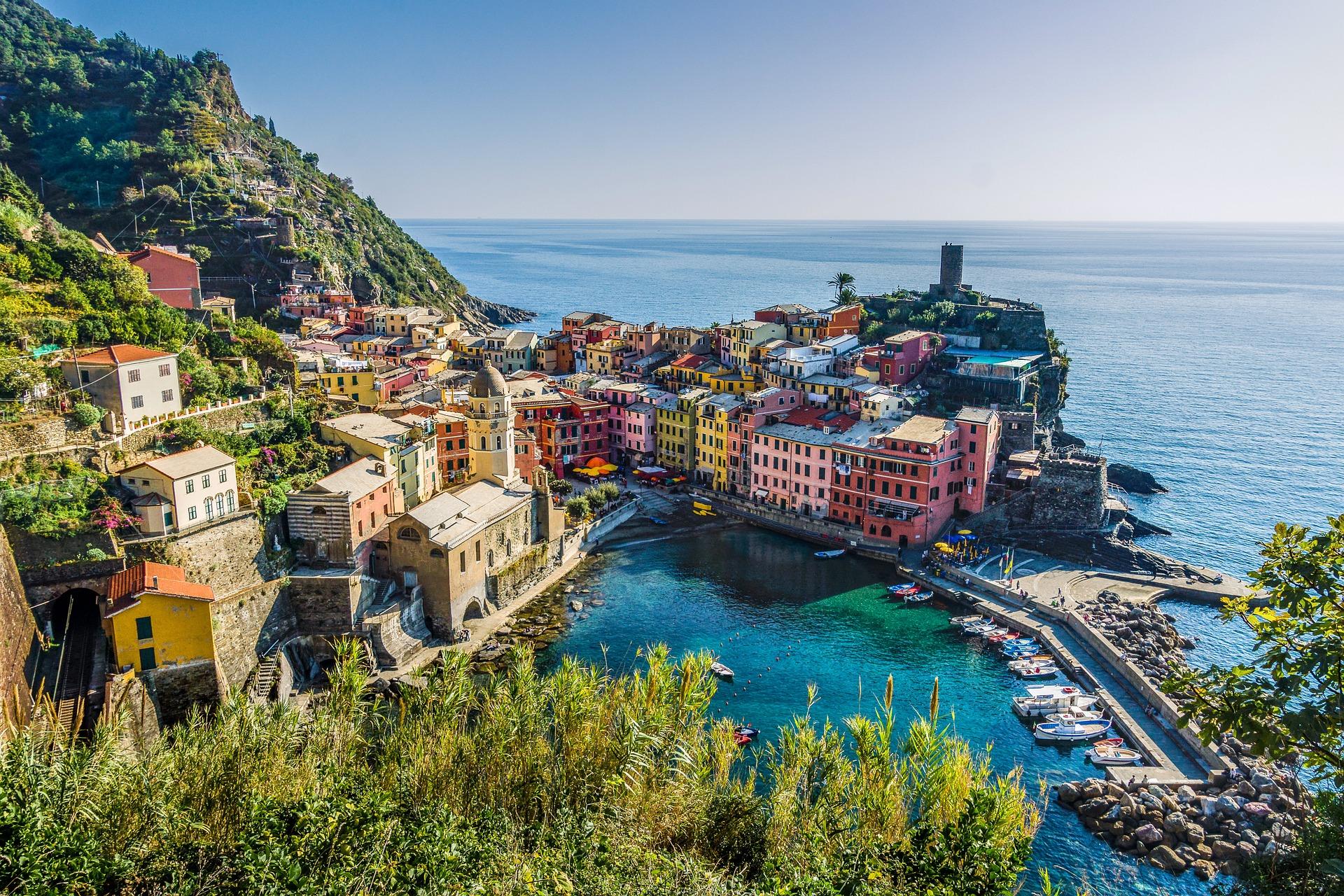 Cinque-Terre-Coast-Hiking-Italy