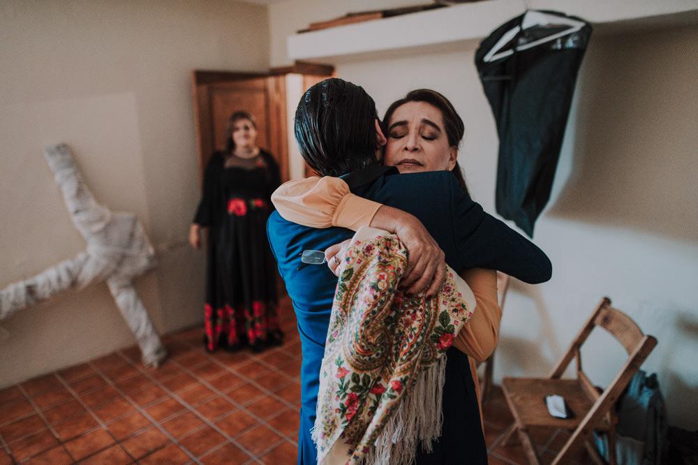 Aida-Arturo-GDL-Folk-Wedding-23.jpg