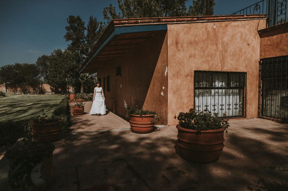 Aida-Arturo-GDL-Folk-Wedding-37.jpg