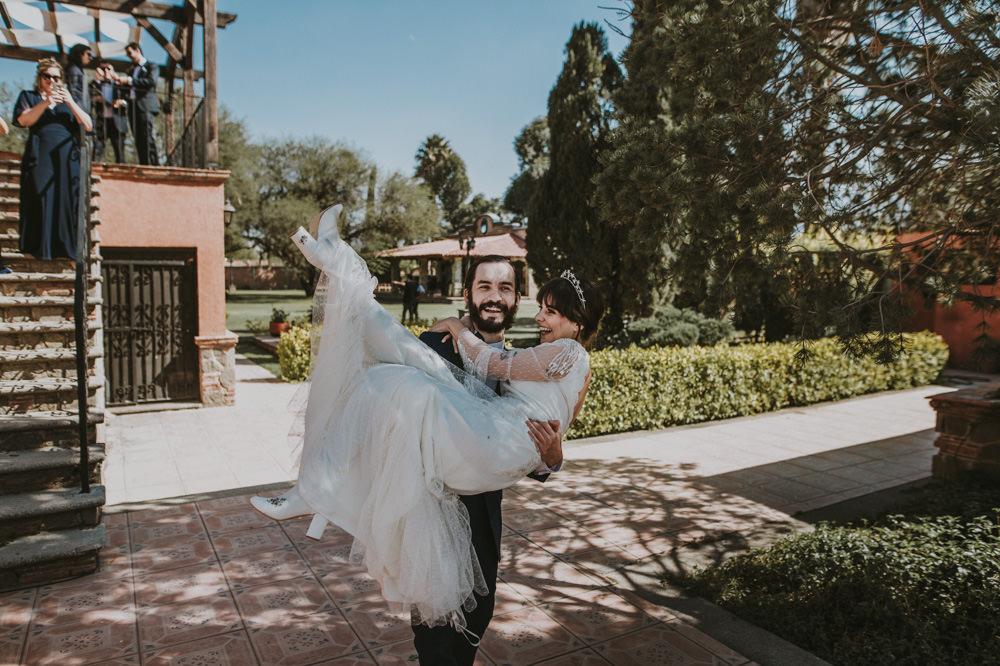 Aida-Arturo-GDL-Folk-Wedding-42.jpg