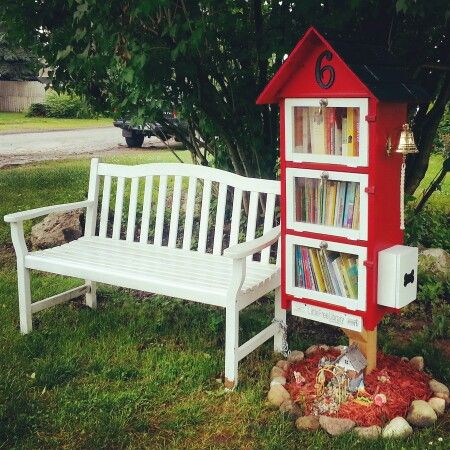 Little Free LIbrary in Fenton, Michigan