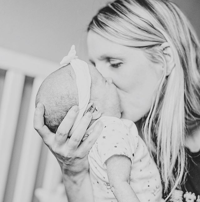 Just a little lovey shot from my newborn shoot with sigyn 💞