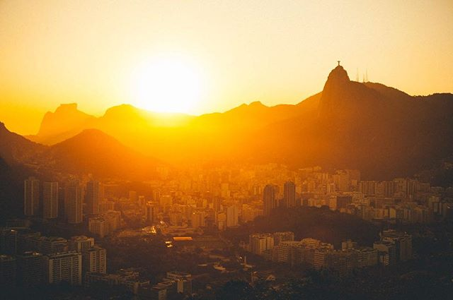Sunset over Rio de Janeiro Brazil @natgeotravel @canon_photos #canon_photos #rio #riodejaneiro #brazil #natgeotravel #travel #traveling #instatravel #travelgram #explore #explorer #city #nature #landscape  #sunset #christtheredeemer #corcovado #teamcanon #imagesupply