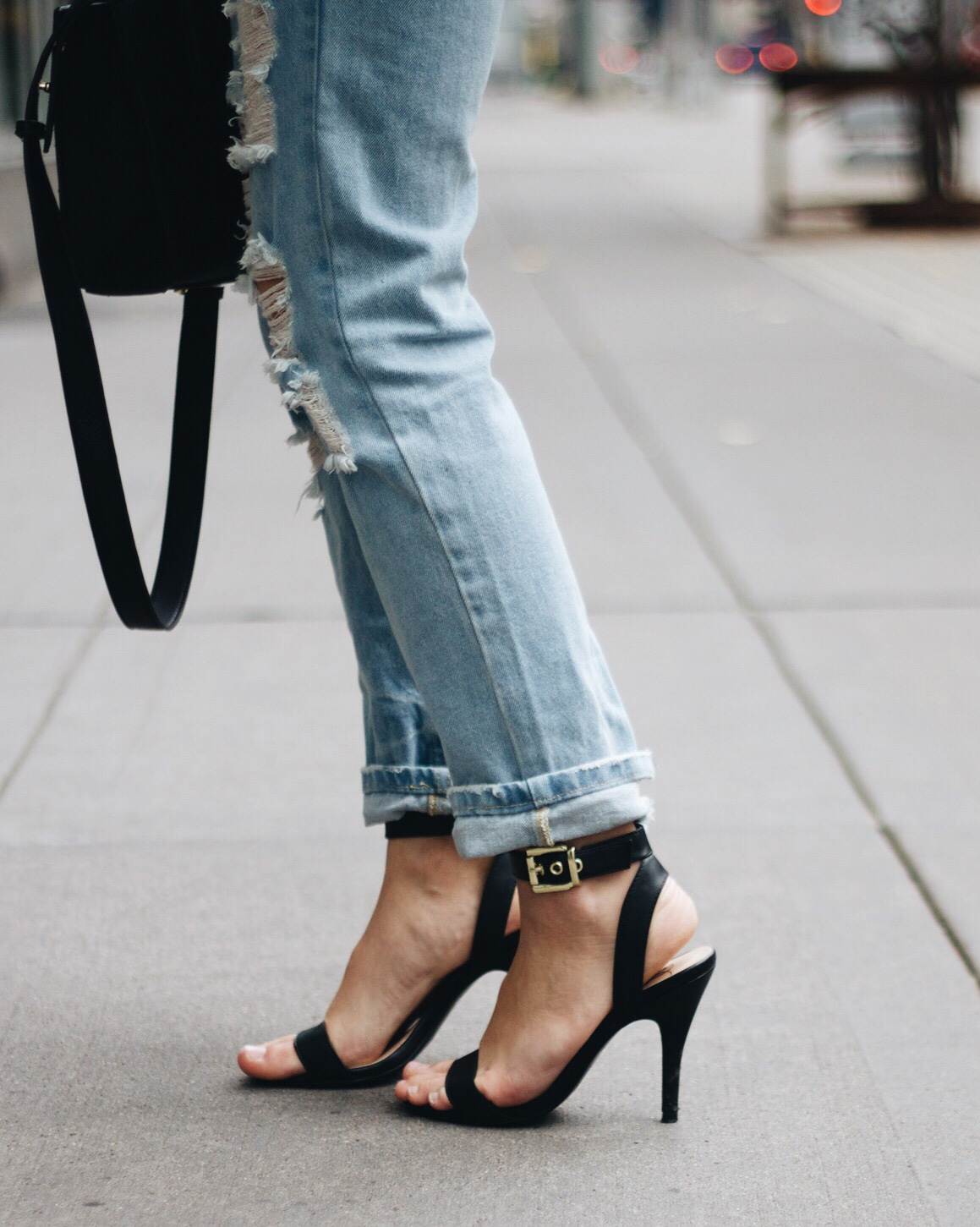 Shoes / Forever 21  Bag / Urban Outfitters