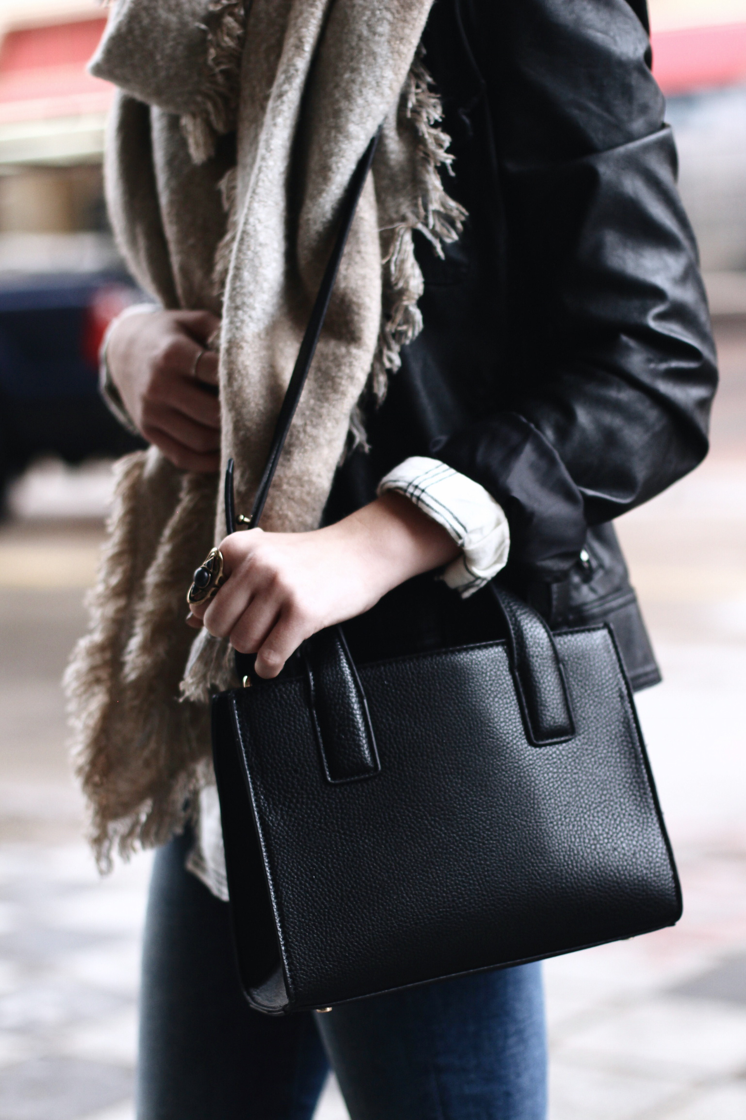 Bag / Urban Outfitters
