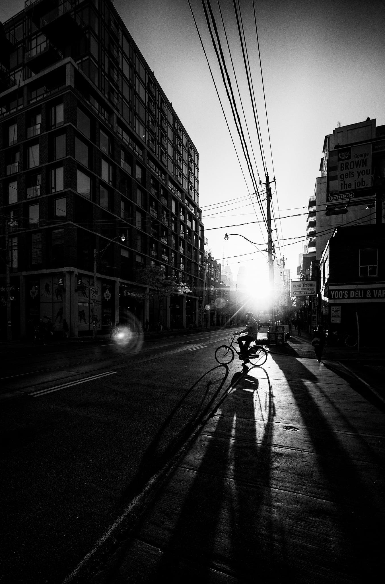 cyclist-shadow_torontohendge_highcon_bw_01.jpg
