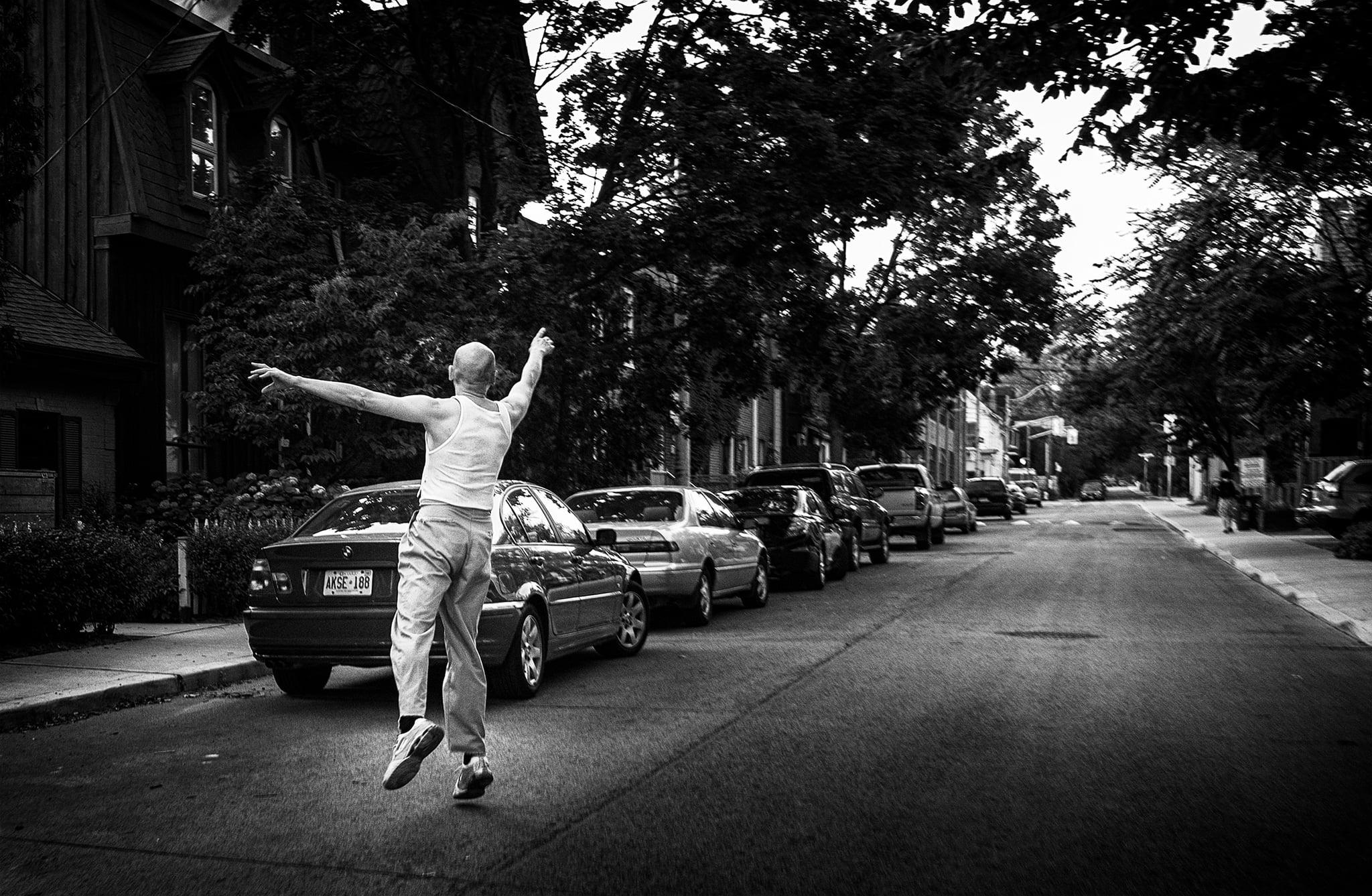 man_dancing_ontario-street_01.jpg