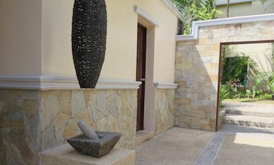 Quartzite-crazypave-sauna.JPG