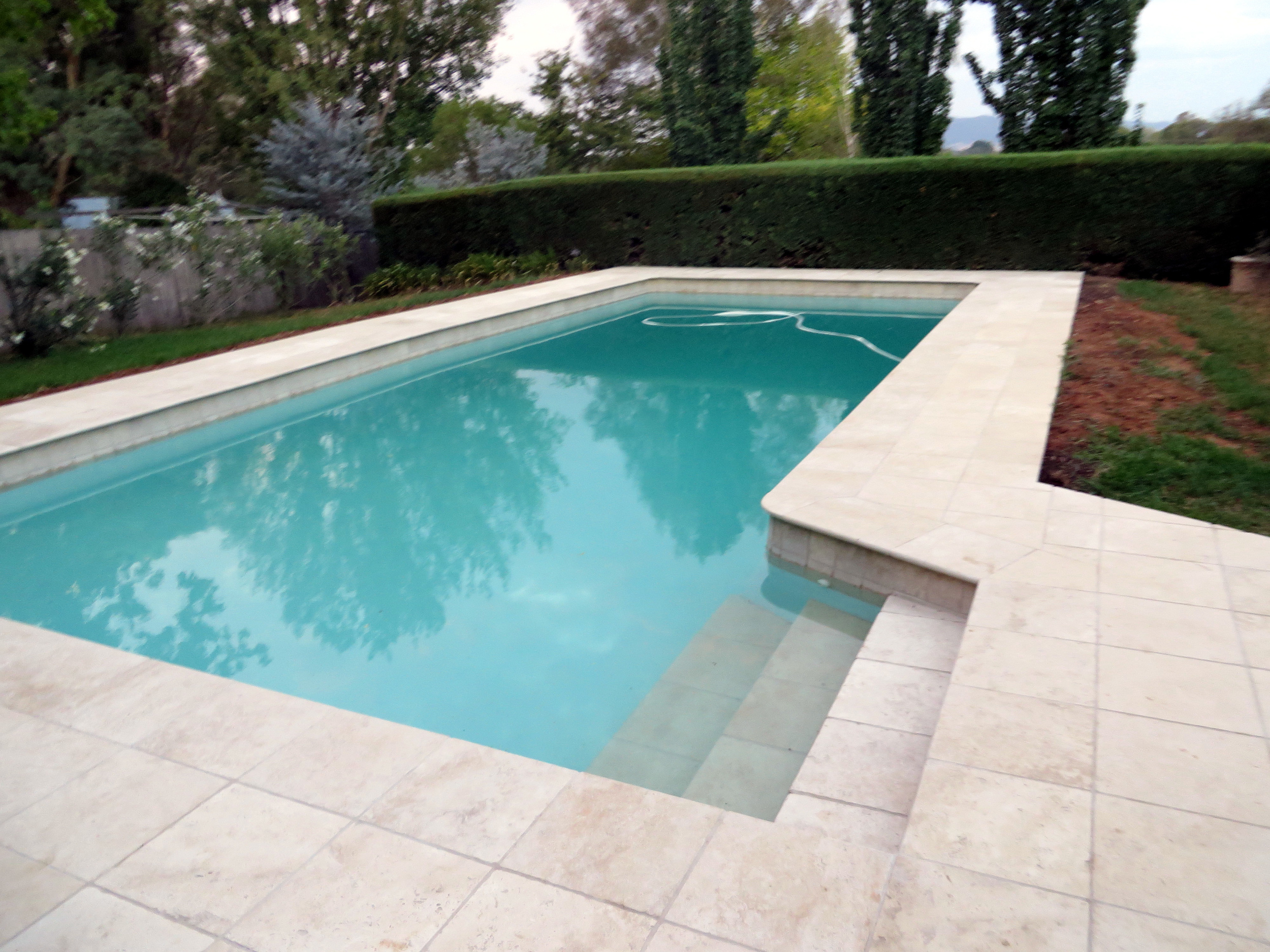 Classico-travertine-pool2-mudgee.jpg