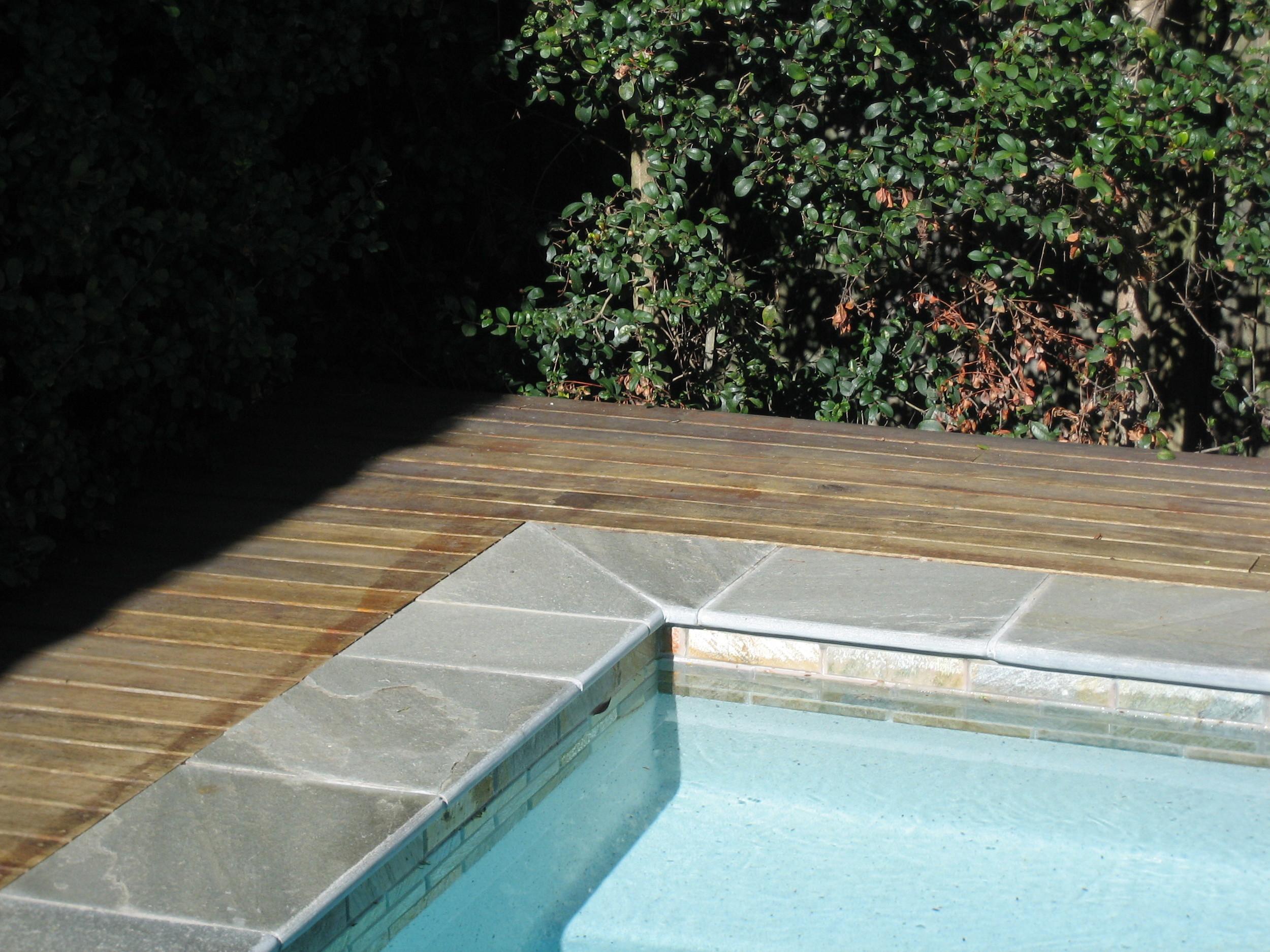Sofala & GG Poolside 0277.JPG