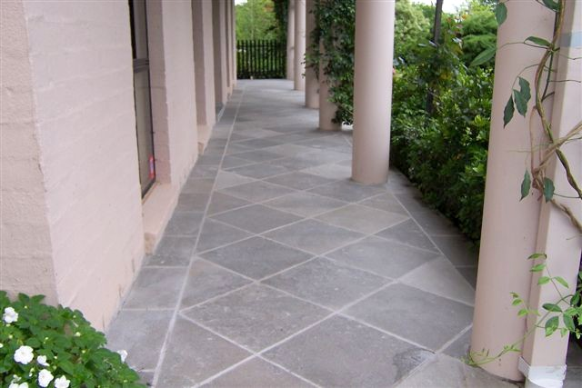 verandah in grey gum quartzite 2.jpg