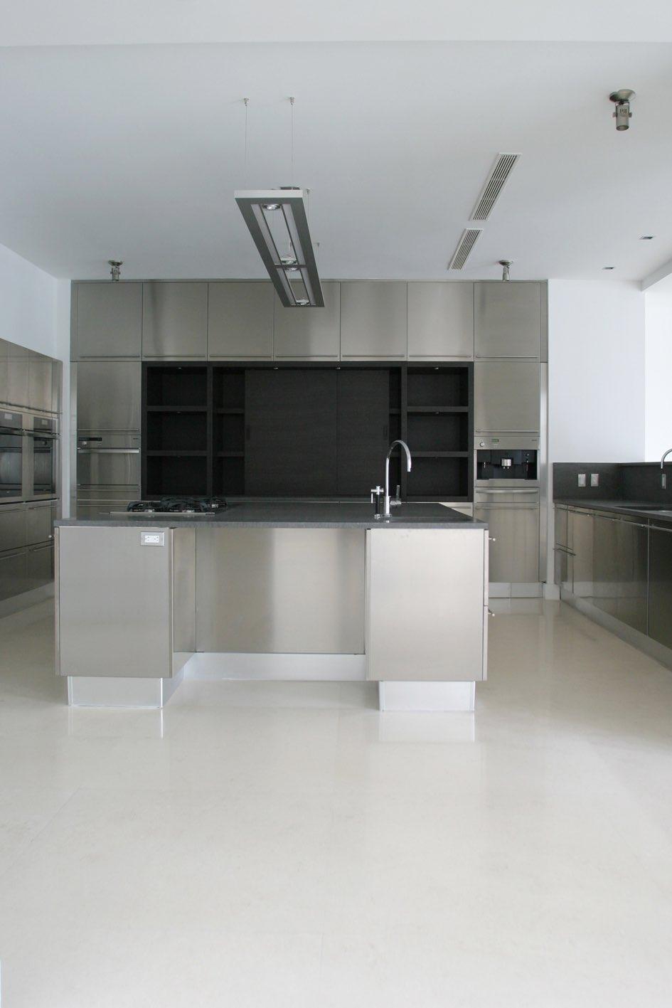 Blanco Limestone Kitchen Floor