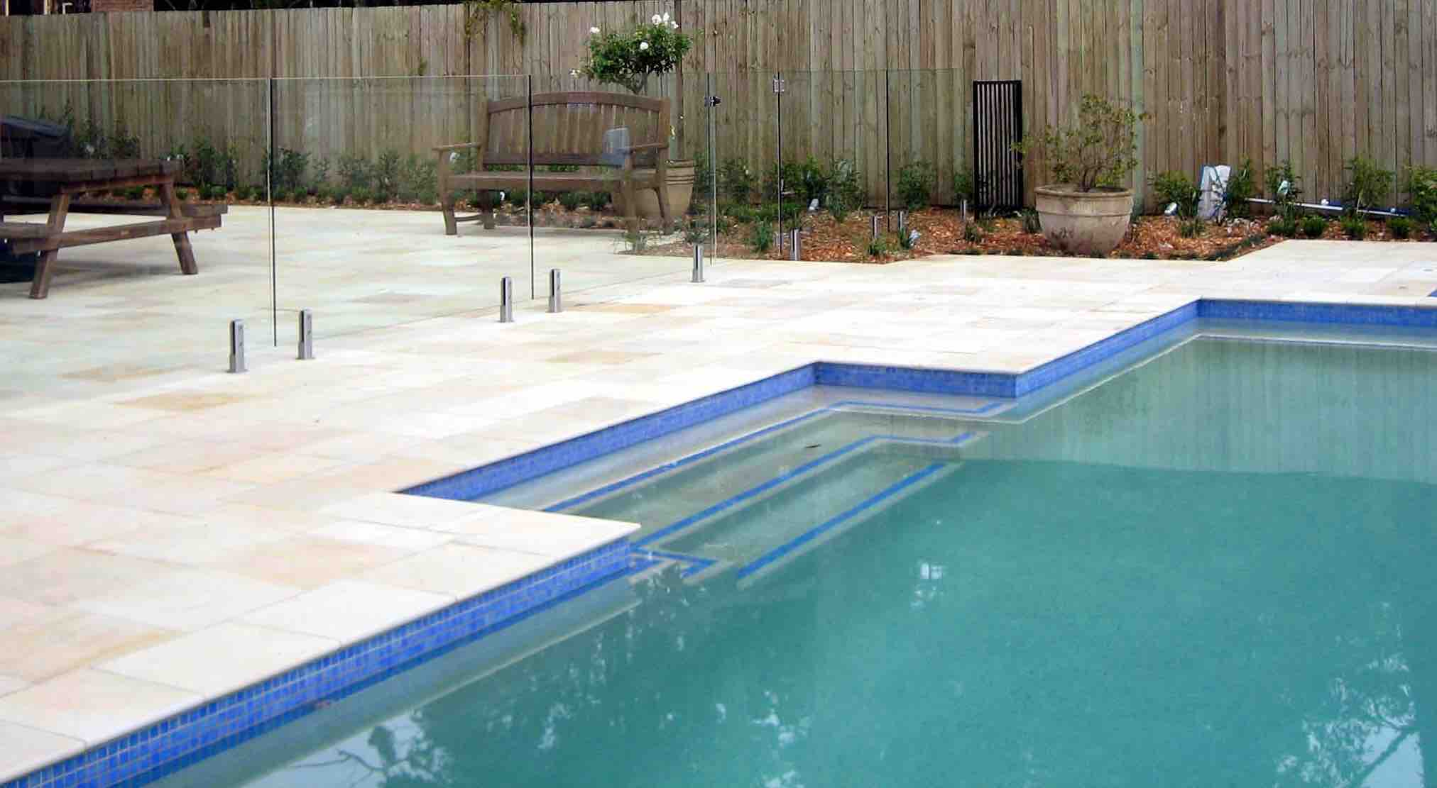 Willow Sandstone Pool