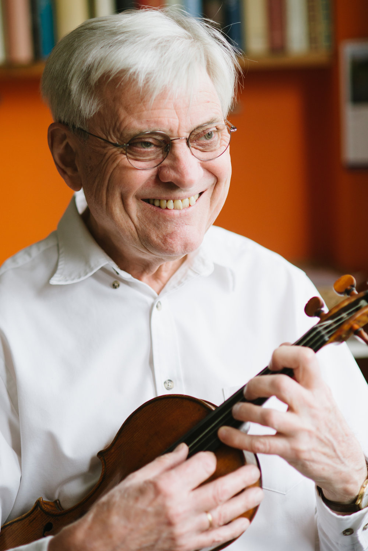 Simon Standage - violin