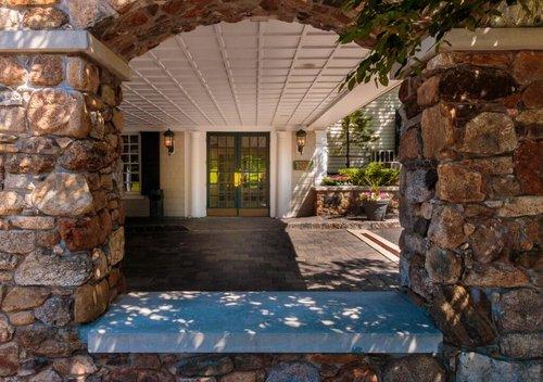 Olde-Mill-Inn-Alternate-Front-Entrance-1024x721.jpg