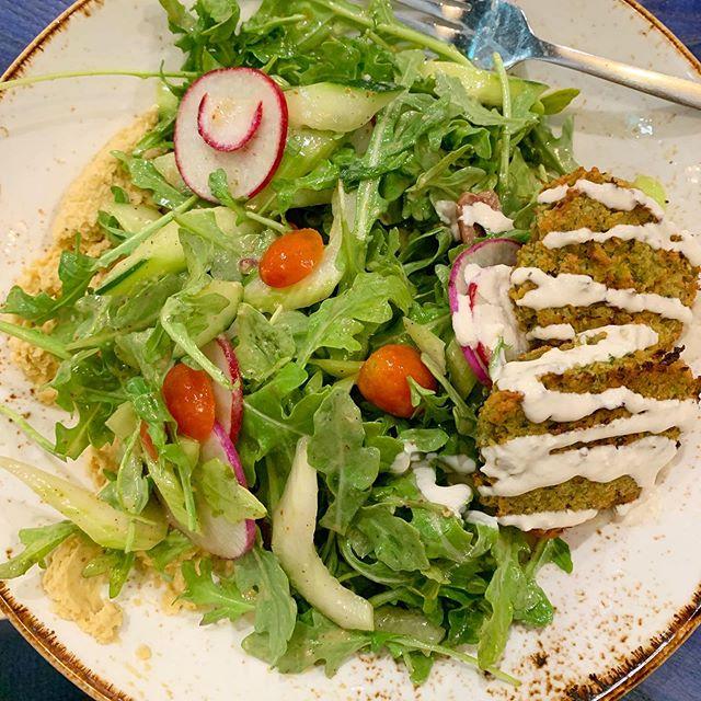 Falafel power bowl for lunch 🥗