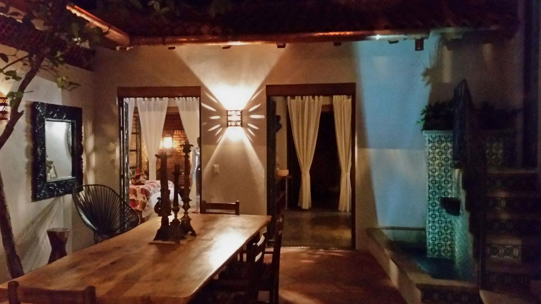 Casa-Joyero-Sayulita-dining-table-02.jpg
