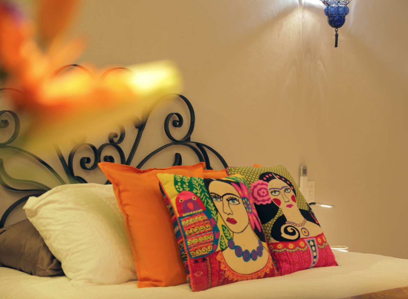 Casa-Joyero-Sayulita-bedroom-pillows-0101.jpg