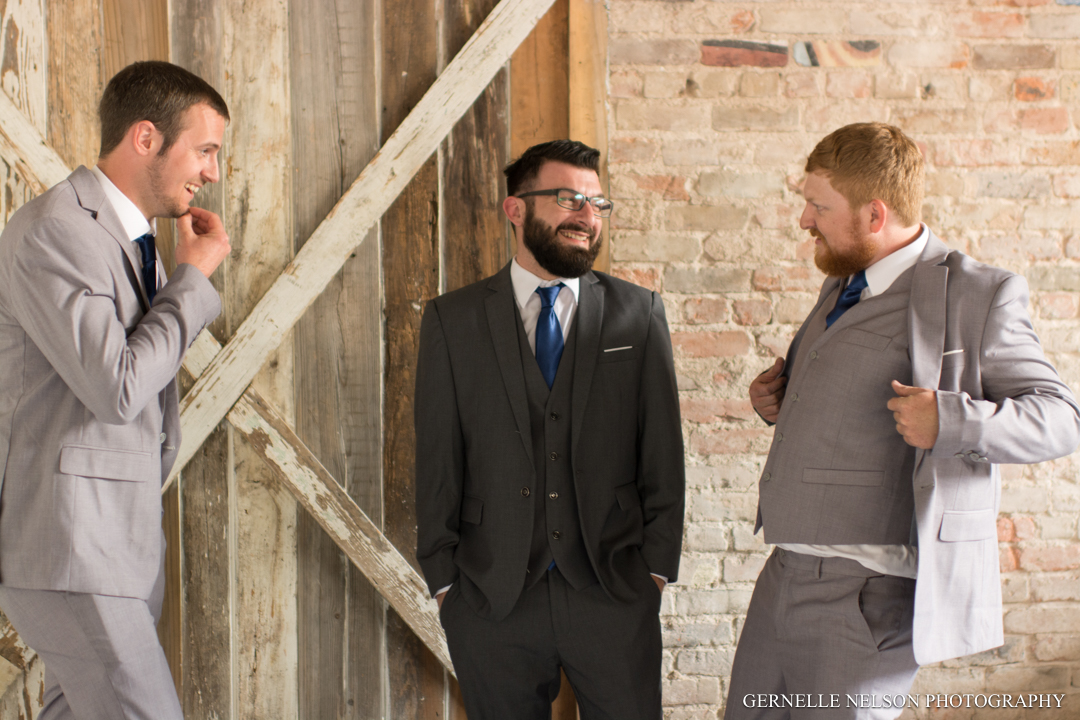 Andrea-and-Chris-Burleson-TX-Wedding-photos-by-Gernelle-Nelson-Elopement-Photographer-29.jpg