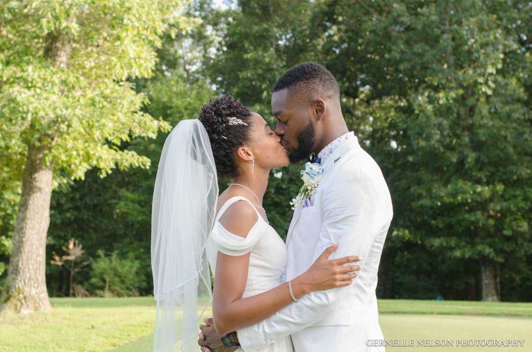 Joy-and-Matthews-Golden-MO-Wedding-photos-by-Gernelle-Nelson-Elopement-Photographer-55.jpg
