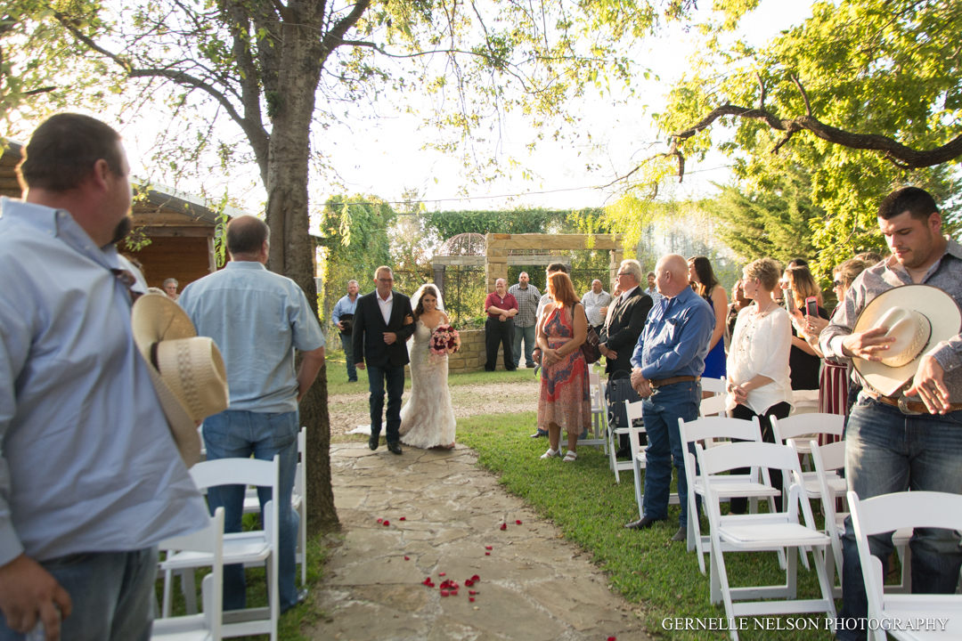 Amanda-and-Mikie-Dallas-TX-wedding-photos-by-Gernelle-Nelson-16.jpg