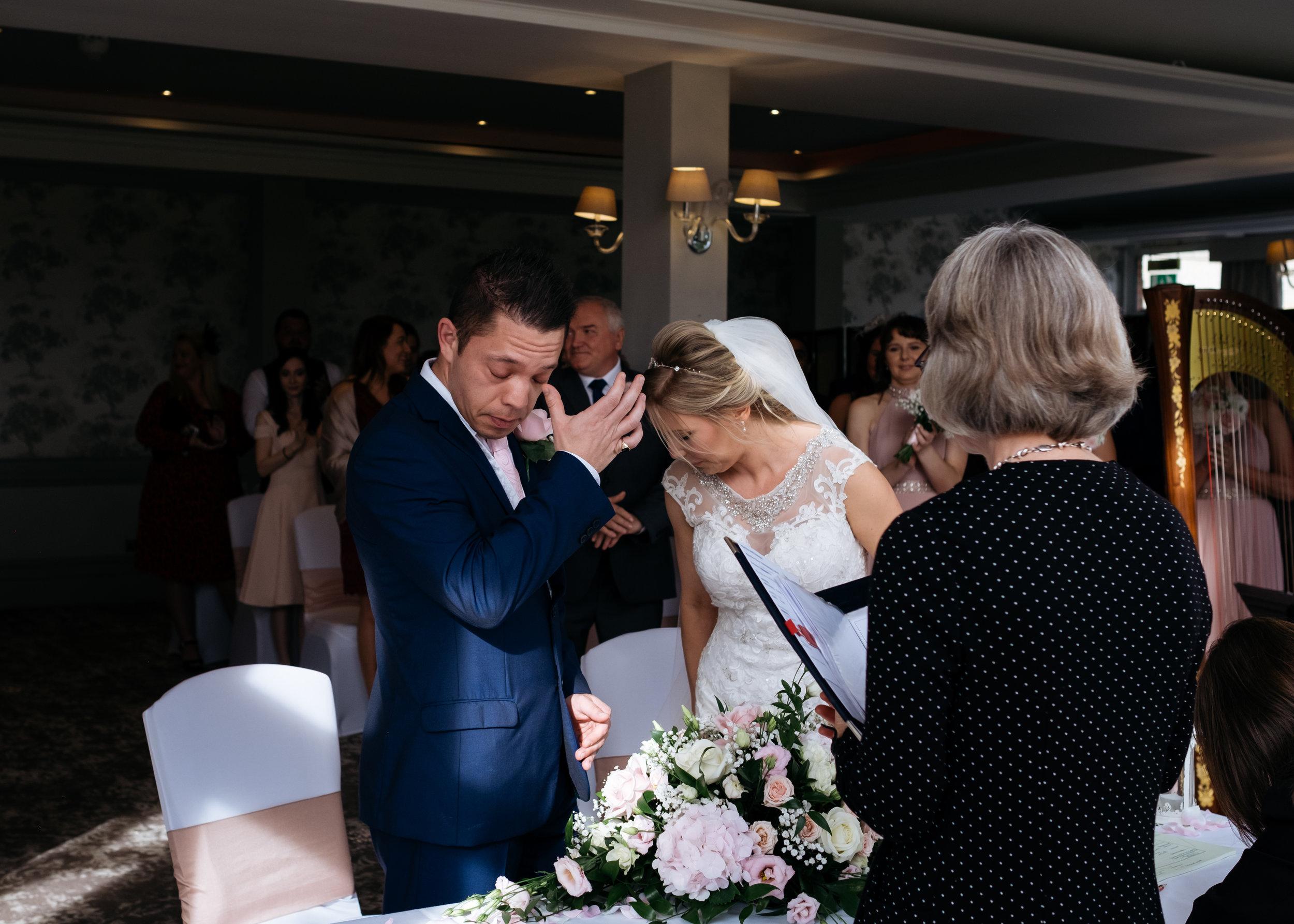 Just married bride and groom at Mercure Newbury Elcot Park Hotel