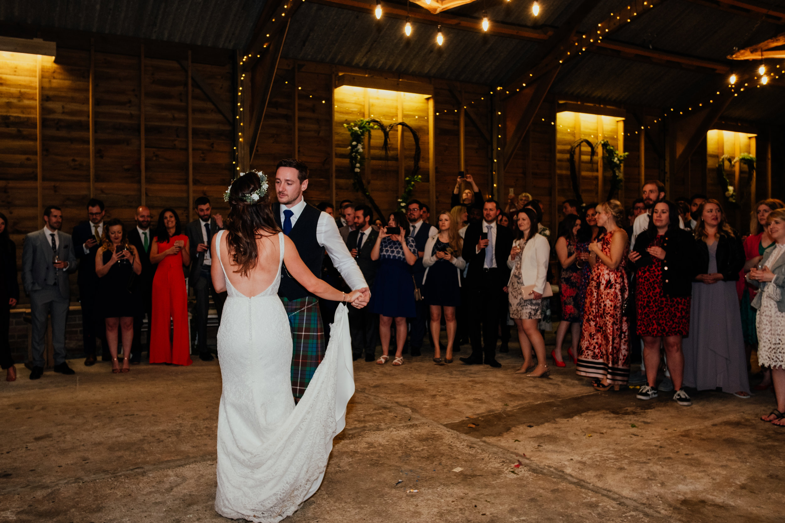 Captains Wood Barn wedding photography first dance
