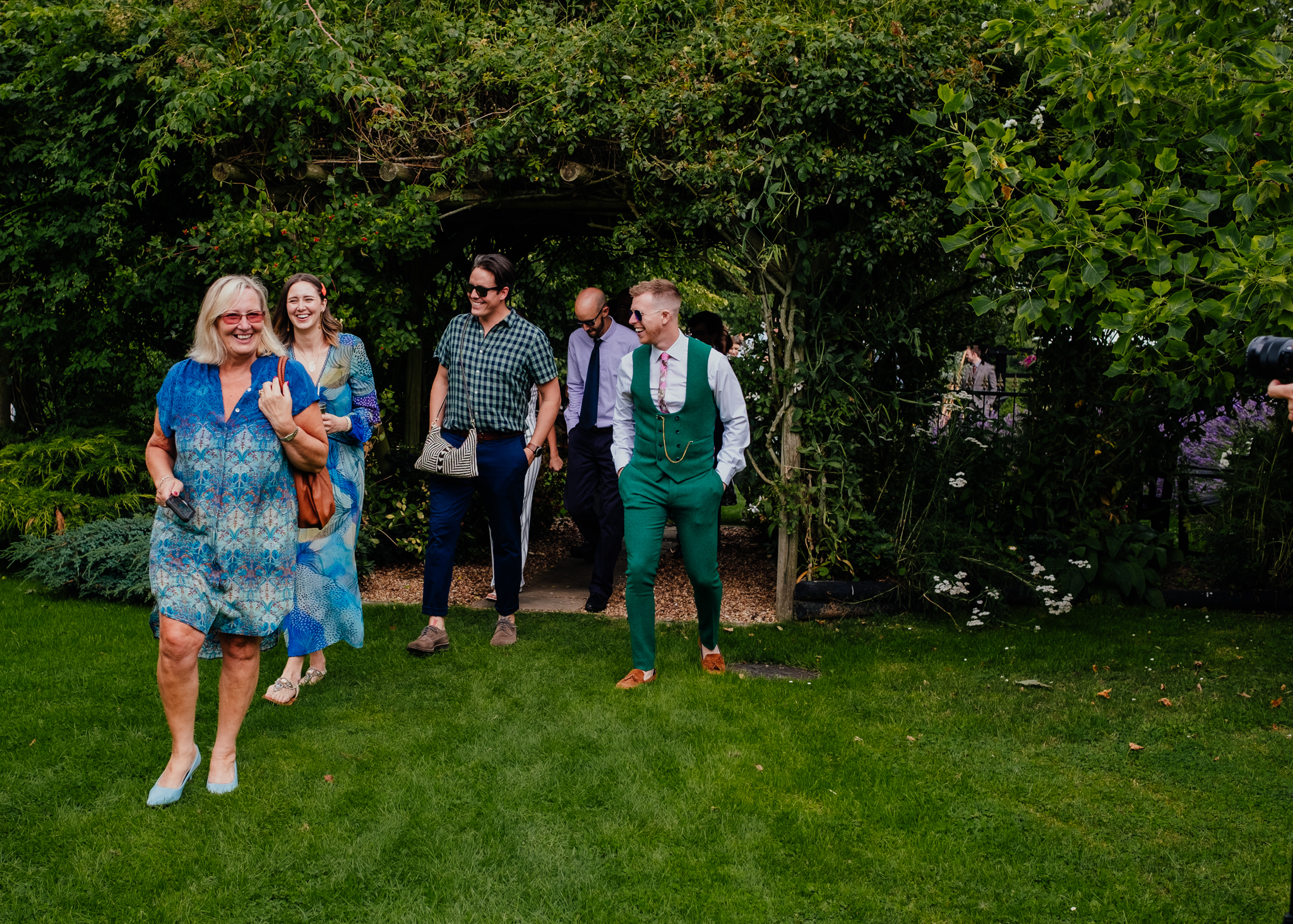 Guests arriving for a summer wedding at Rumbolds Farm