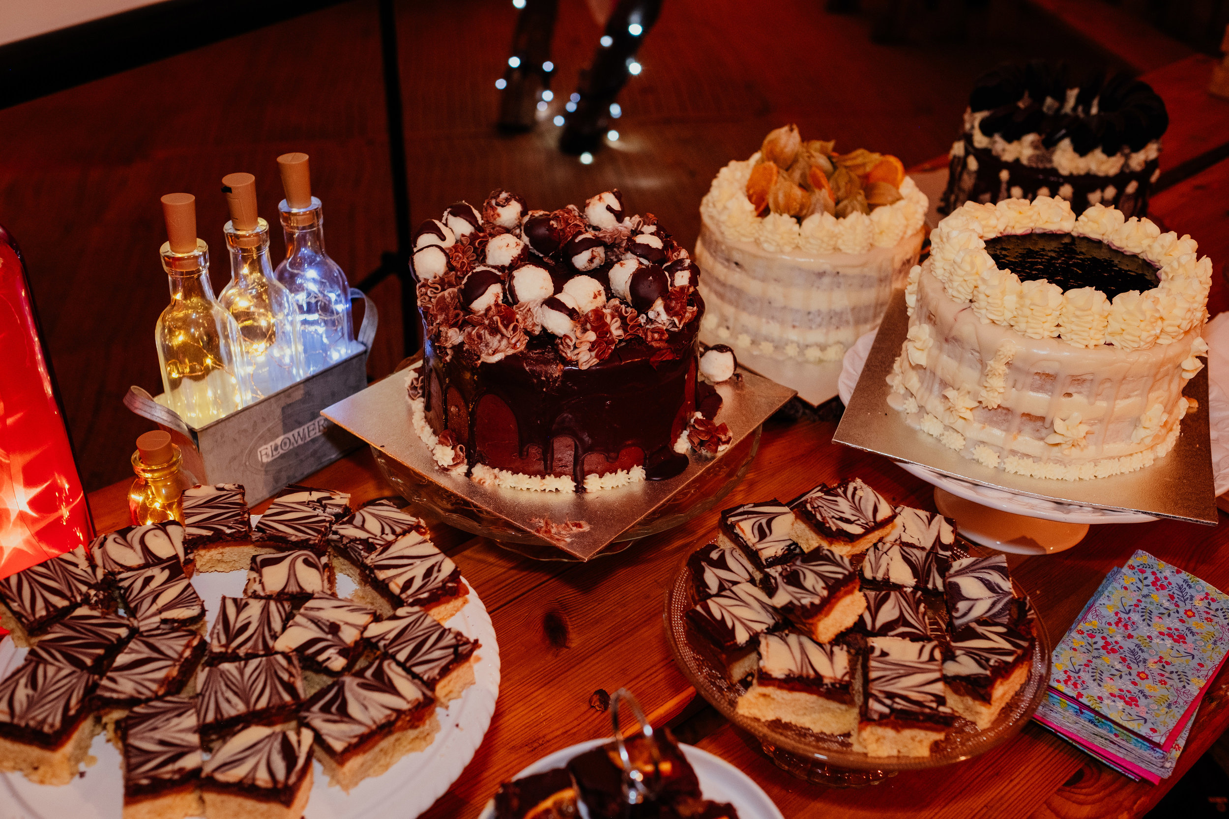 Epic vegan wedding cakes