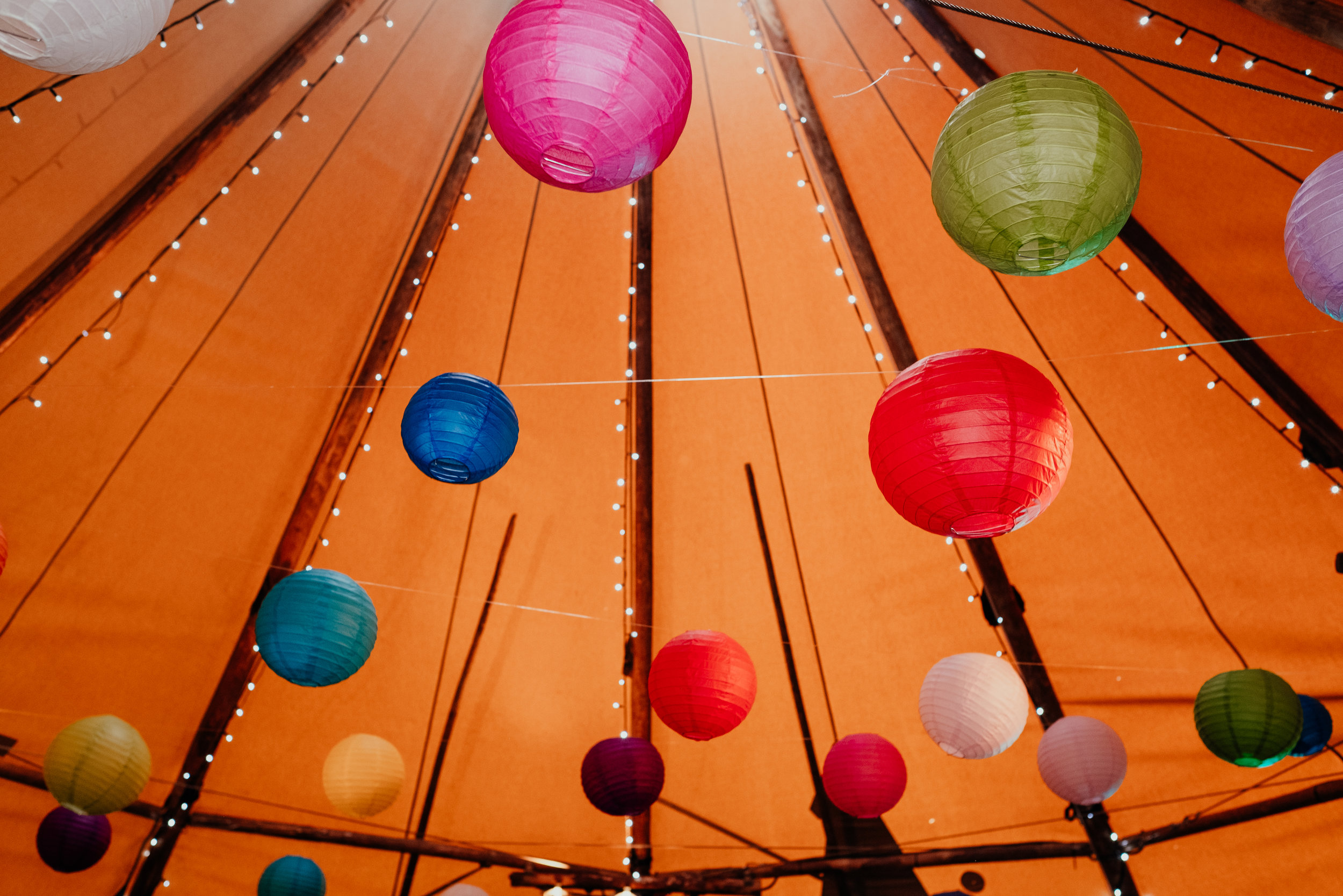 Eco friendly vegan wedding in a tipi | paper lantern wedding decoration