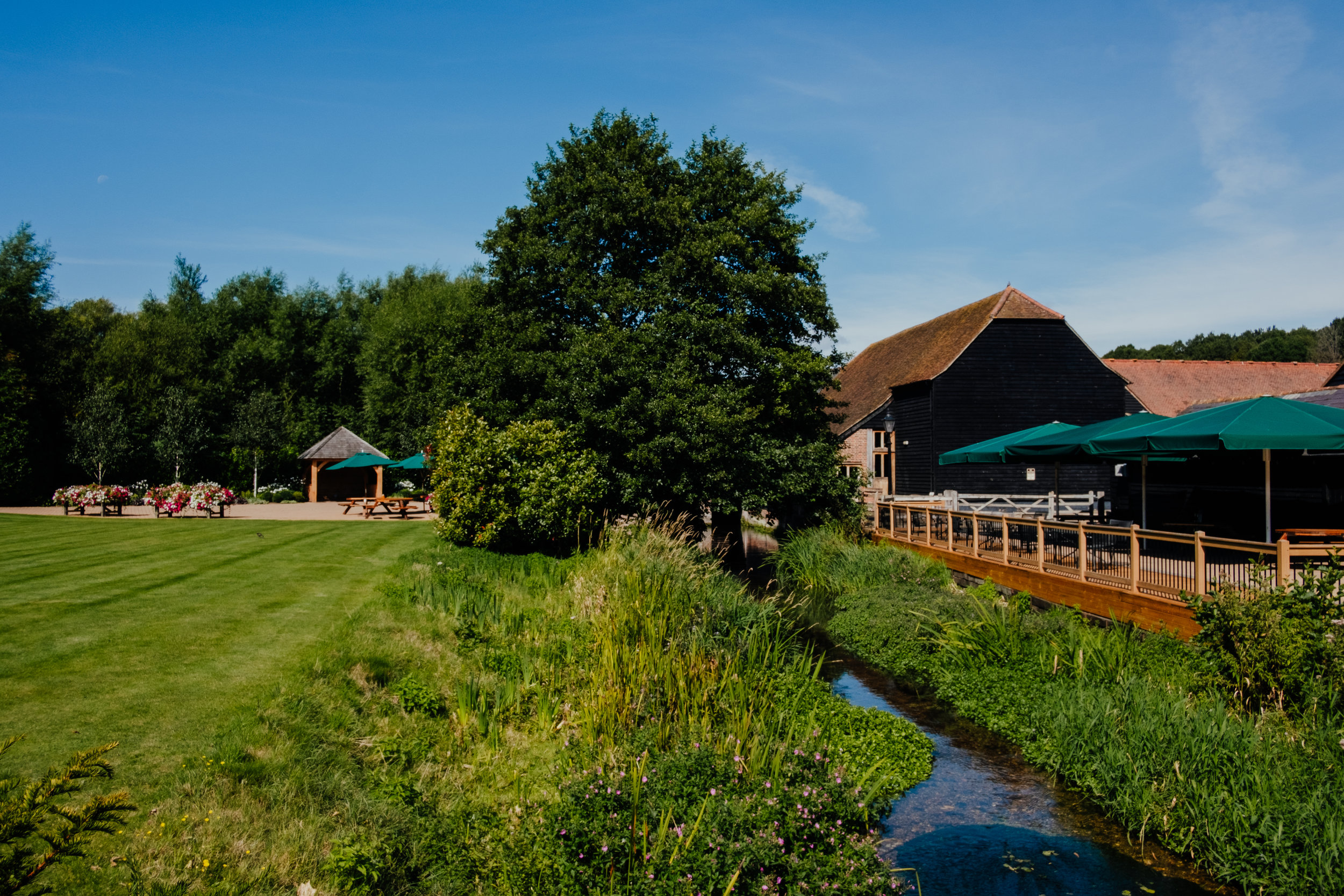 Tewin Bury Farm summer wedding