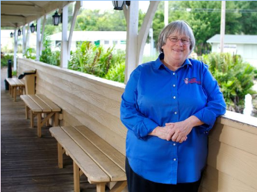 Laurilee Thompson, Dixie Crossroads, Owner