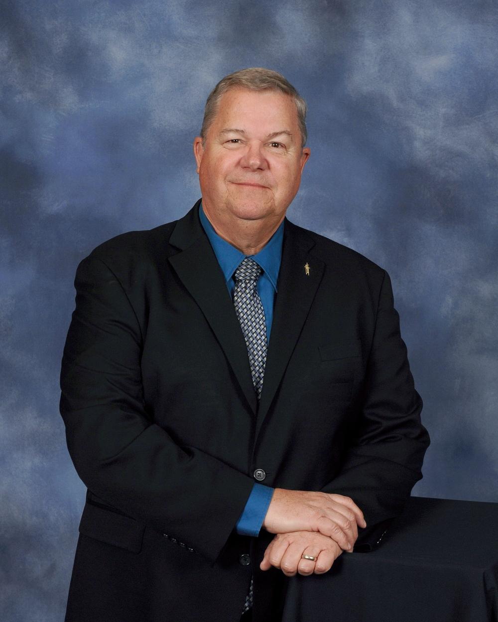 Senior Pastor Tom Porter