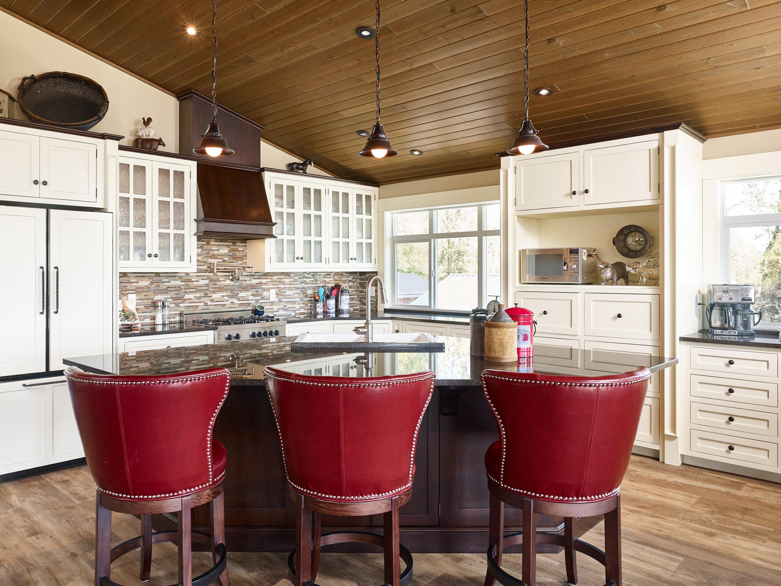 South Ridge Langley Life Above barn single family kitchen Georgie