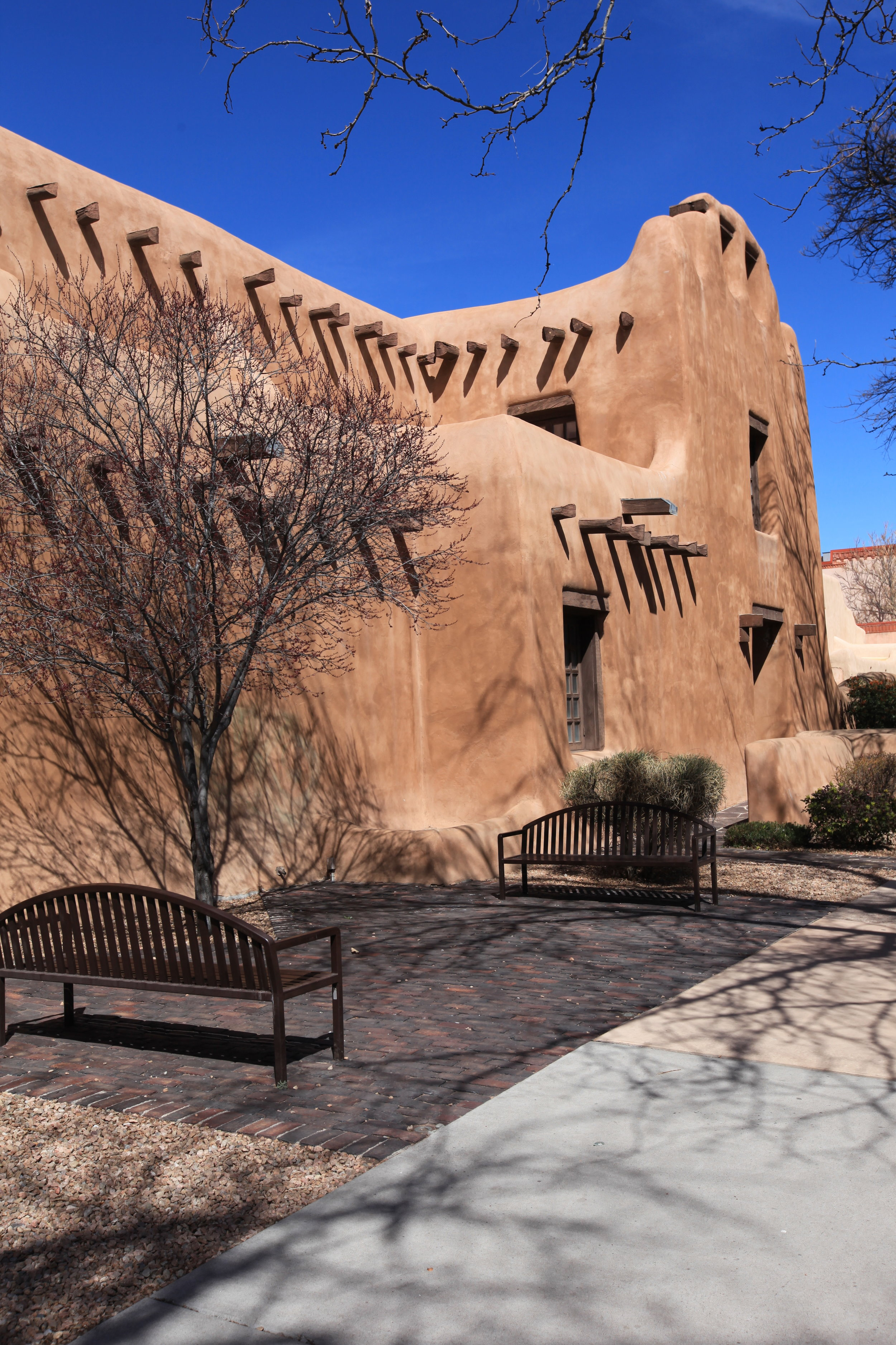 The New Mexico Museum of Art, built in 1915 in the Pueblo Revival style.