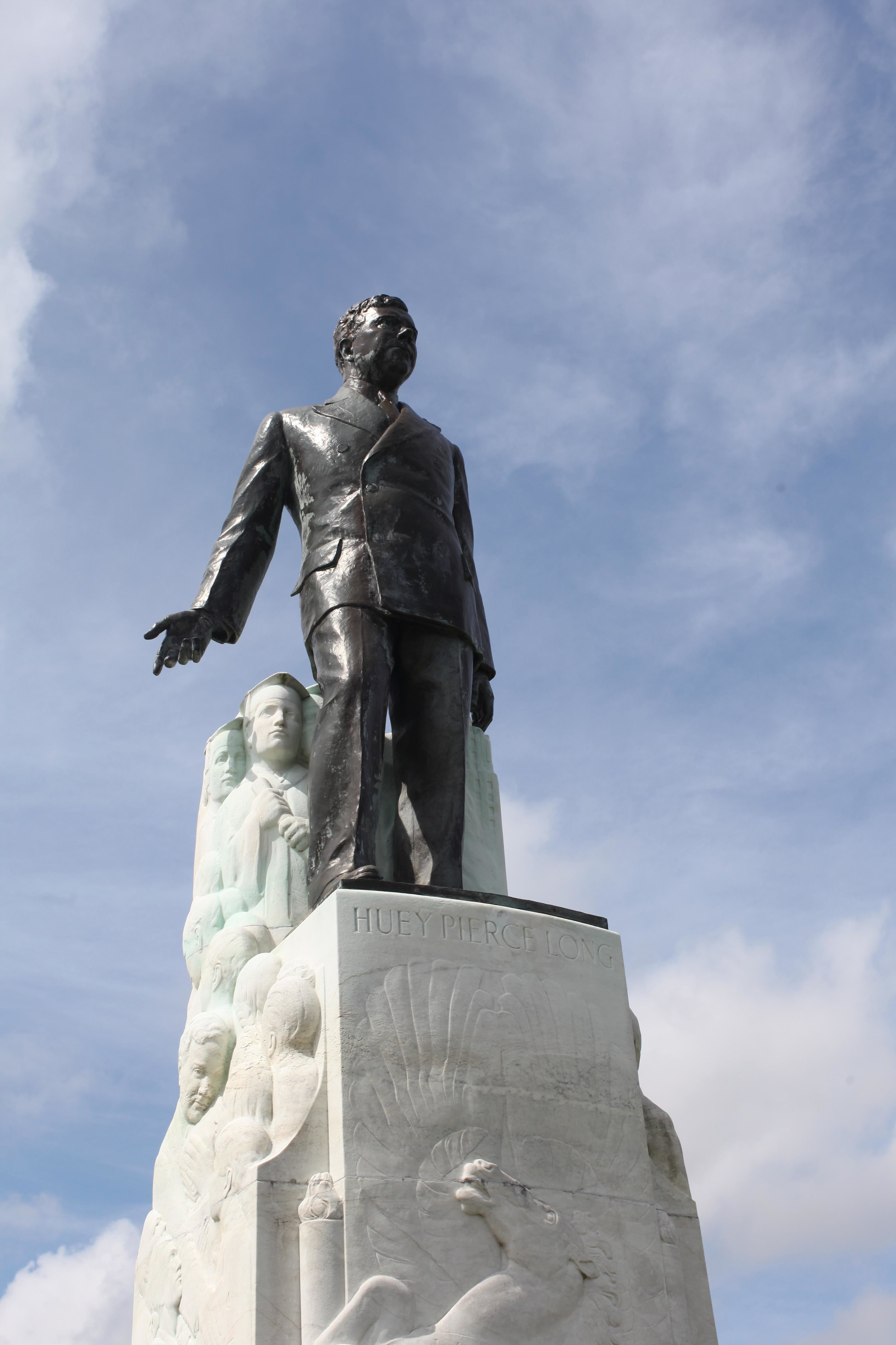 statue 02.jpg