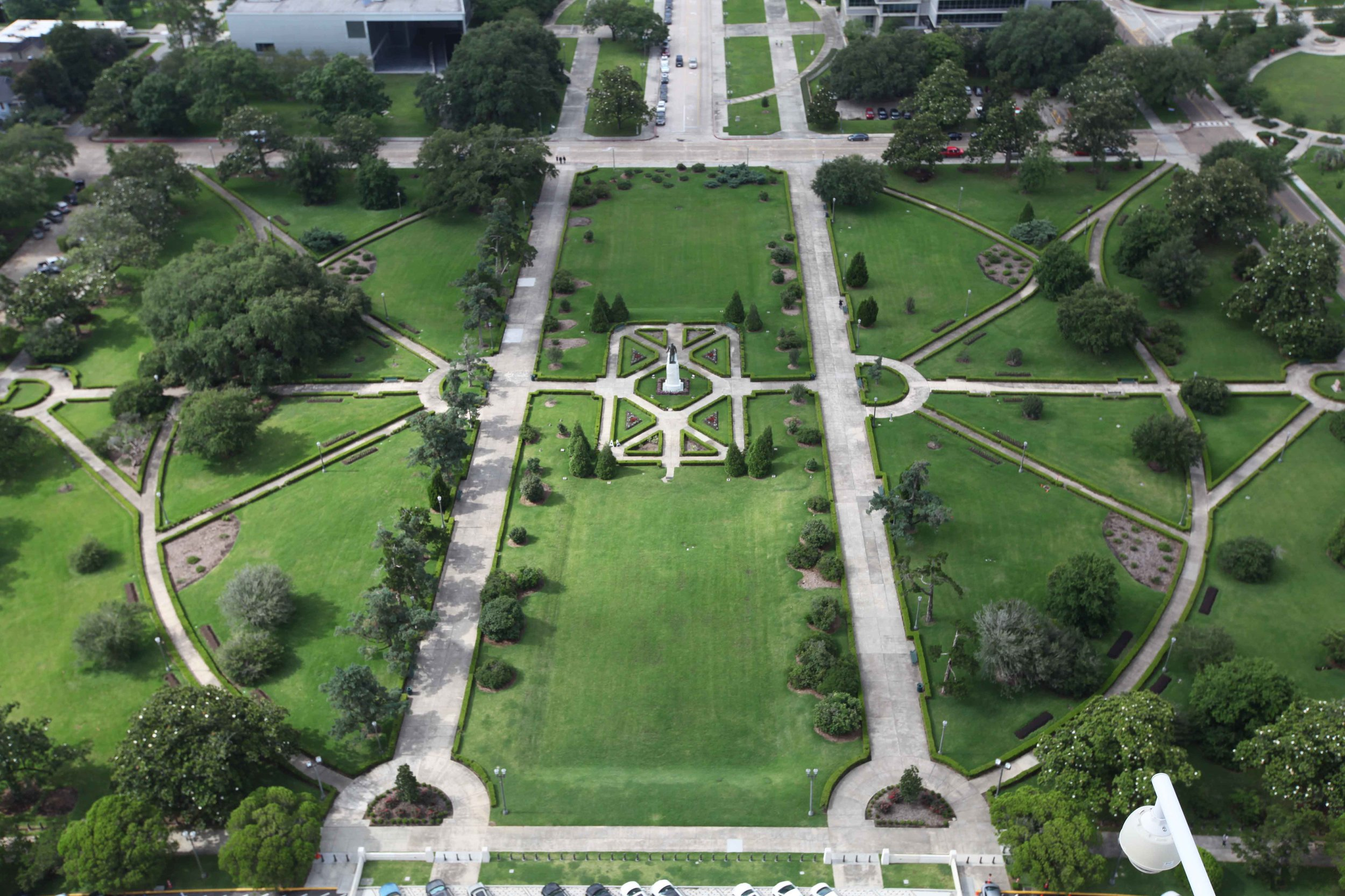 Huey Long's tomb and statue seen from above.