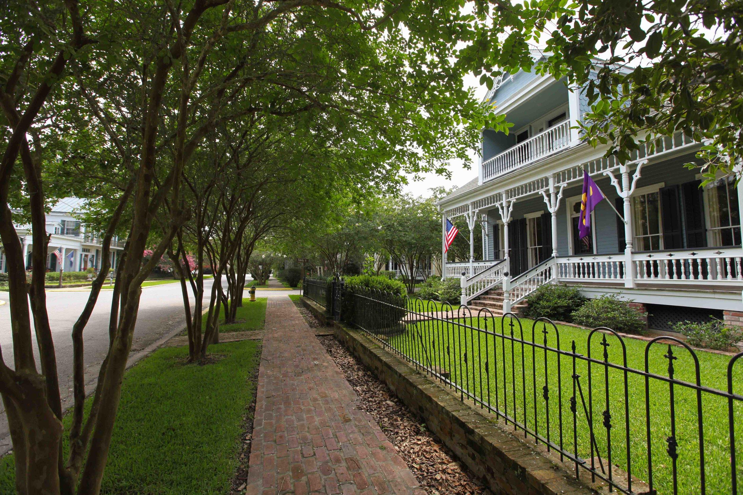 St Francisville in Feliciana Parish - comfortable, historic, white.