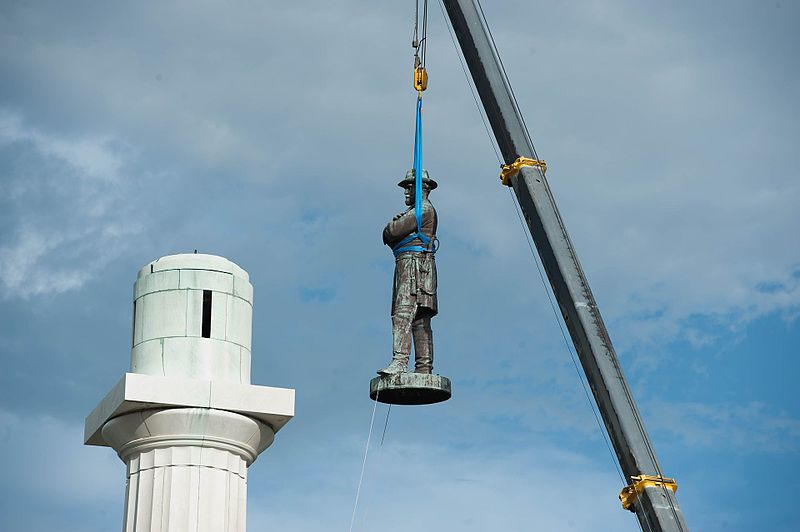 The statue of Robert E. Lee being removed on May 19, 2017 (image via Wikimedia Commons)