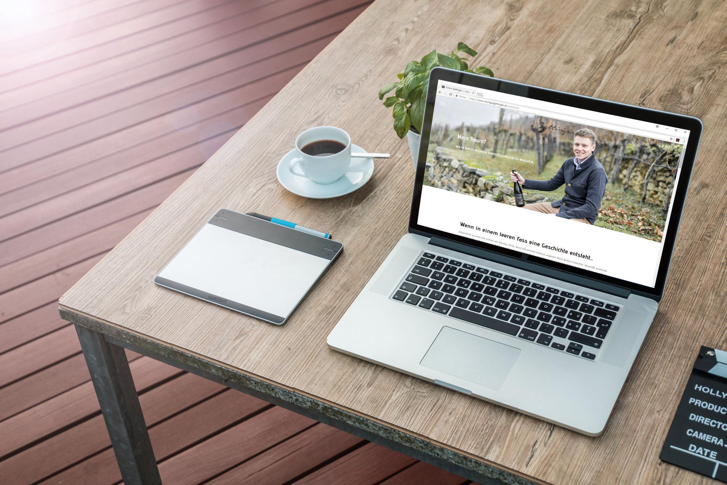 gattinger-Macbook Pro on Table Mockup Free PSD.jpg