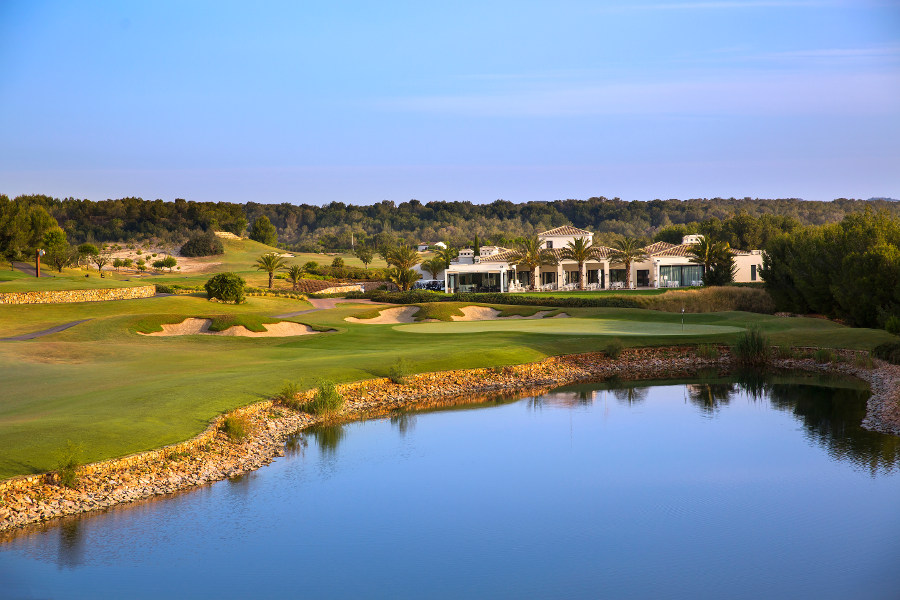 Las Colinas Golf & Country Club  -