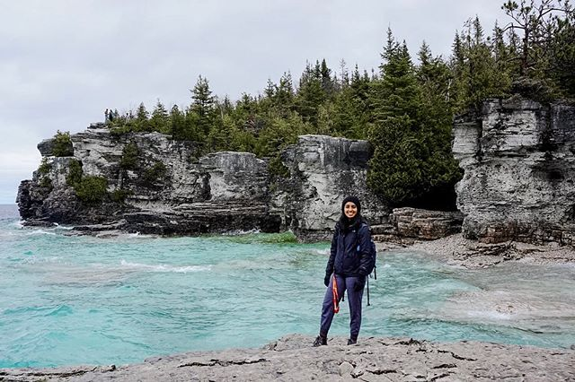 Went to Bruce Peninsula in the slightly gloomy days of May, but man did it give me a view. 🌊 ☀️✨ . . . . . .  #brucepeninsula #brucepeninsulnationalpark #ontarioparks #yourstodiscover #travel #tobermory #exploreontario #discoverontario #discoverON #wanderlust #ladieslovetravel #girlsthatwander  #wanderlust #lifewelltravelled #kwawesome #kwigers #dtk #watreg #wrawesome #igerstoronto #lblogger #blogger #girlboss #goodvibesonly #vsco #vscocam #iphoneography #torontoblogger #lblogger #blog #girlboss #goodvibesonly #vsco #vscocam #iphoneography #torontoblogger