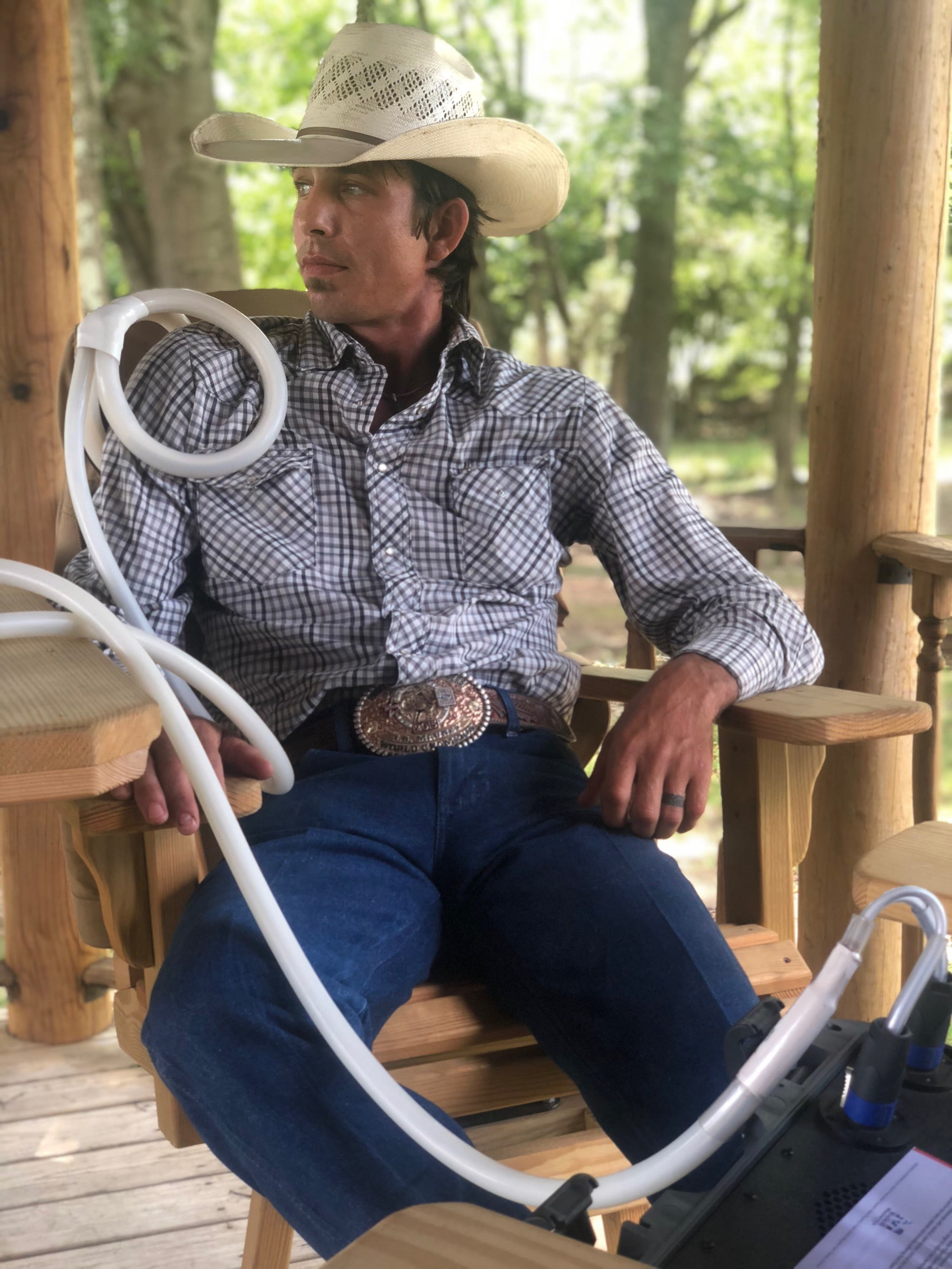 JB Mauney / EquiPulse Treatment    2X PBR World Champion Married to @samanthalynemauney Father to Bella Mauney and occasionally ride bulls! #BurnPear