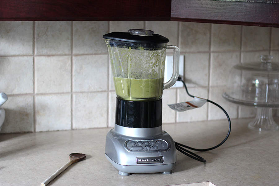 Blending everything for the spinach cream.