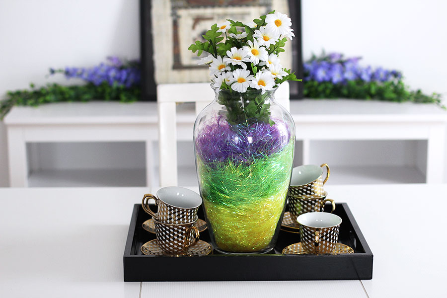Another way to style your Easter center piece.