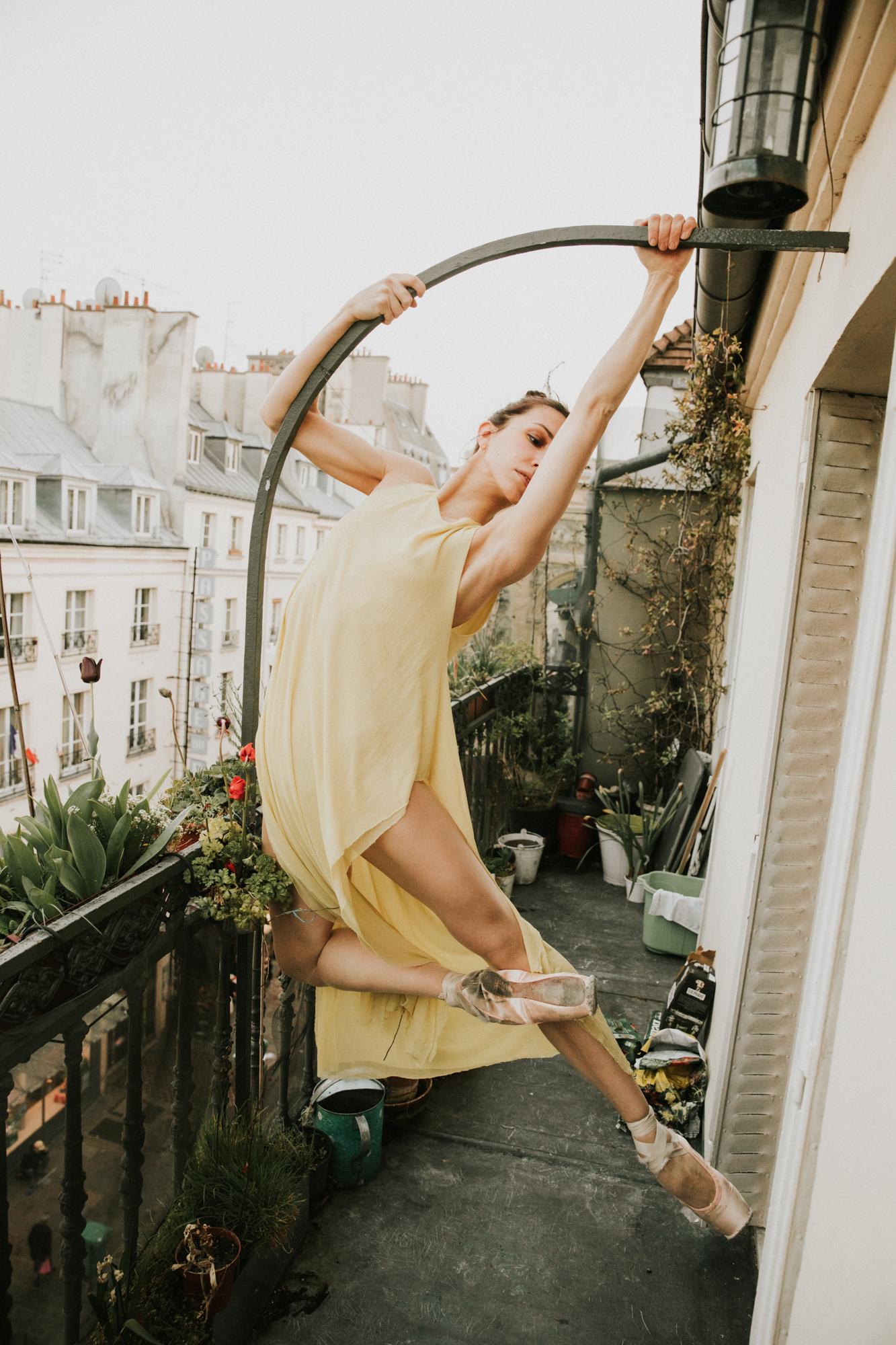 pas_de_bourré_PhotoChristianMamoun_Dancer_liakemendi_styling_IngridShirineHobaya_HairMakeup_JosephineBrignonAssistance_TanjaBieri_retouche_AudyMarchand018.jpg