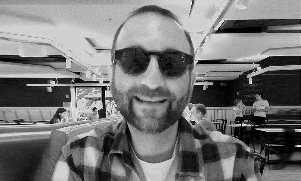 @mau_gibson [Maurício Curi, o MAU], inovador social e inquieto cidadão.